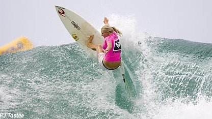 Seventeen year old Stephanie Gilmore beat veteran WCT surfer Megan Abubo (Haw) to clinch the Roxy Pro title at Snapper Rocks.